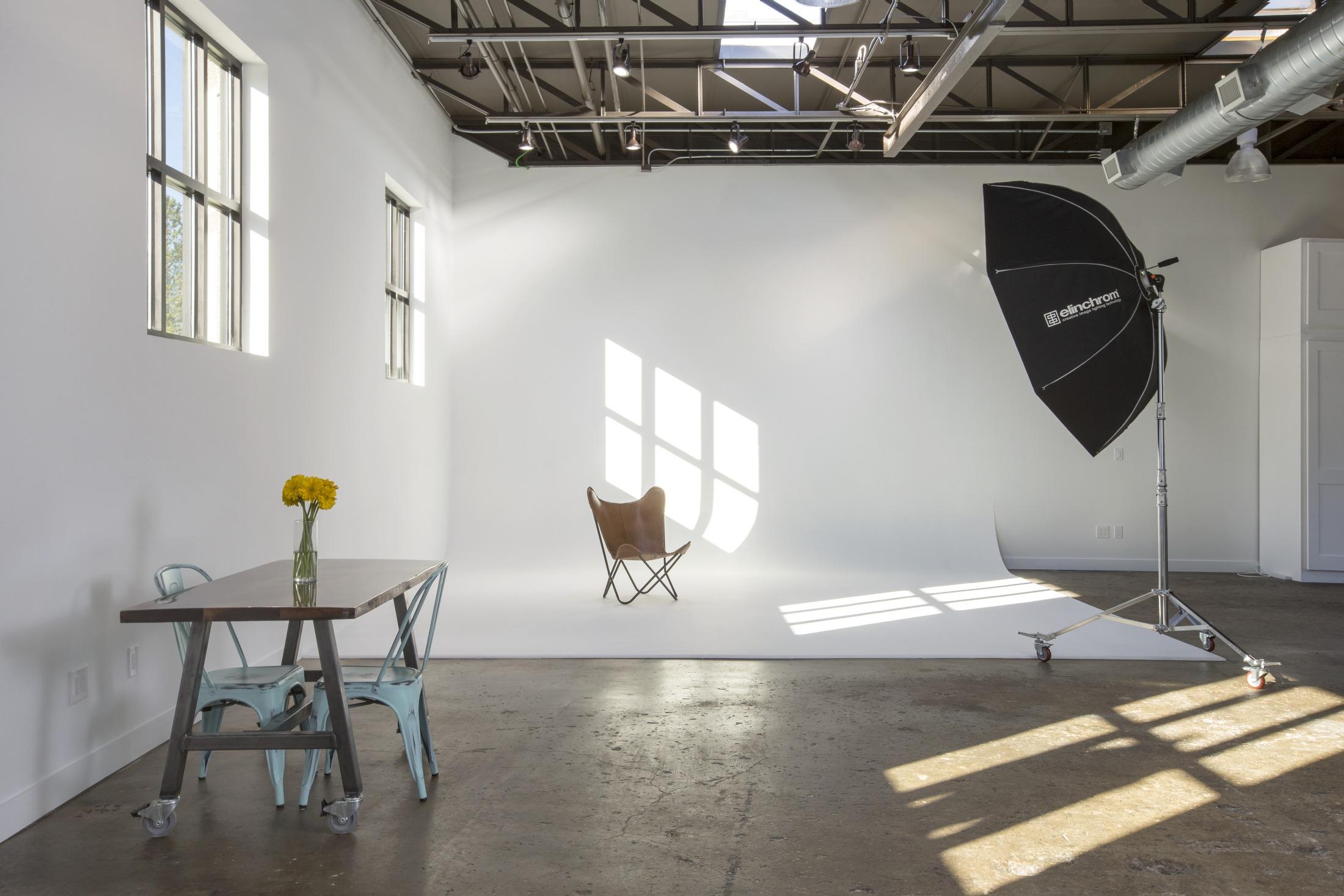 Photo Studio Atlanta, Photo Studio for rent in atlanta. Interior photo of Studio A at Treehouse Studios in Atlanta